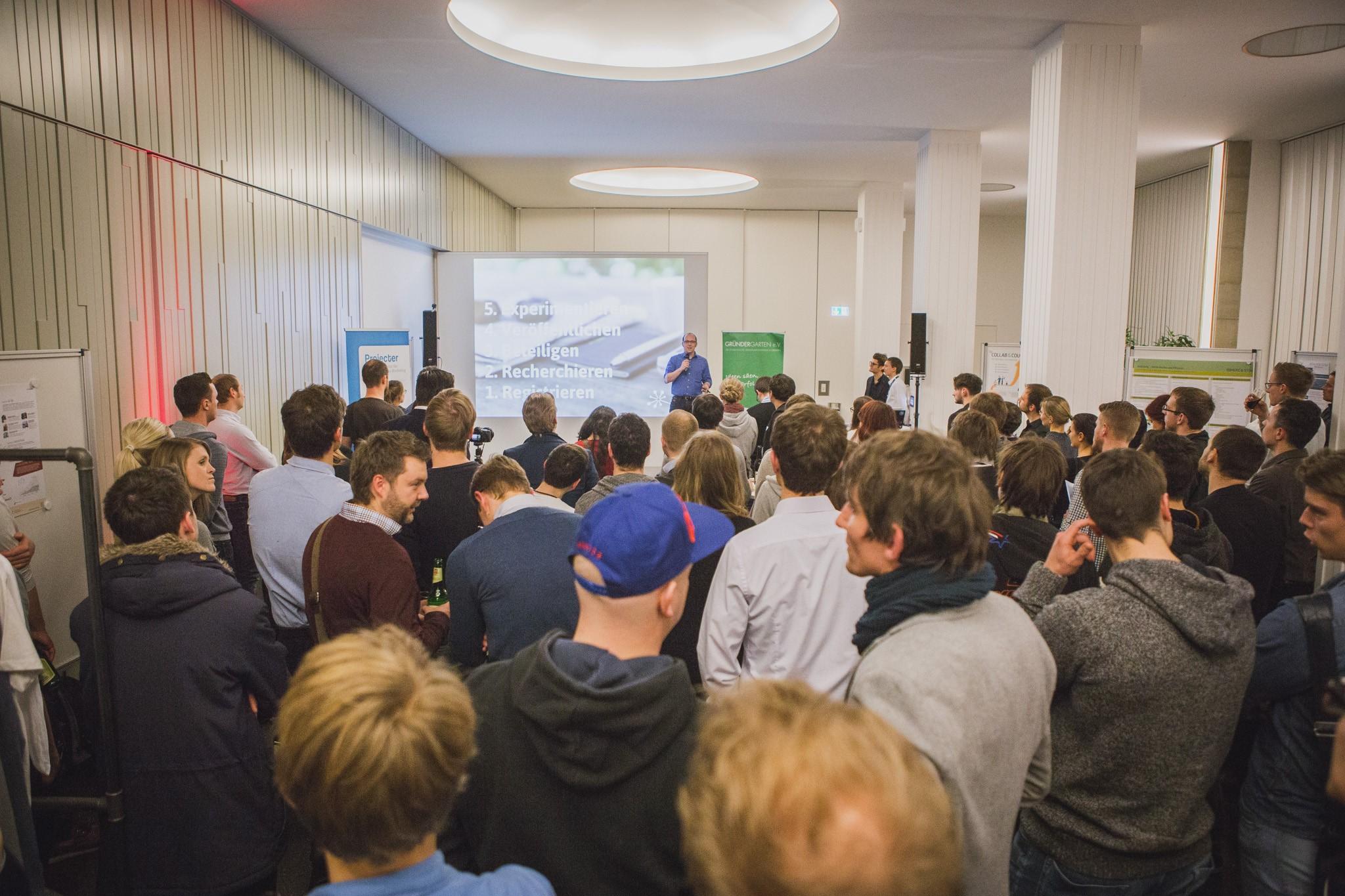 GründerAbend #2 – Dirk Spannaus gibt wichtige Impulse in Sachen Social Media.